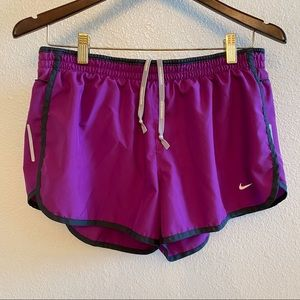 Nike Dri Fit Running Shorts *Lined Size L